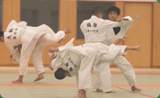 ミキハウス柔道(じゅうどう)教室 練習風景